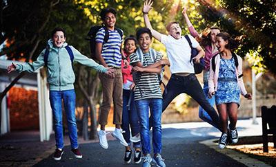 Juventud o Juventudes distintas miradas para el abordaje de un fenómeno complejo